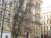 Bělehradská 37, Praha. Zde žili před deportací do ghetta Terezín Ludvík a Ema Weissensteinovi