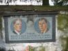 Pamětní deska ilegálním pracovníkům Petru Dejnožkovi a Josefu Vařečkovi, členům KSČ. Trhová Kamenice (Pardubický kraj), hřbitov.